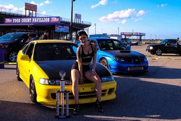 2001 Phoenix yellow ITR with model