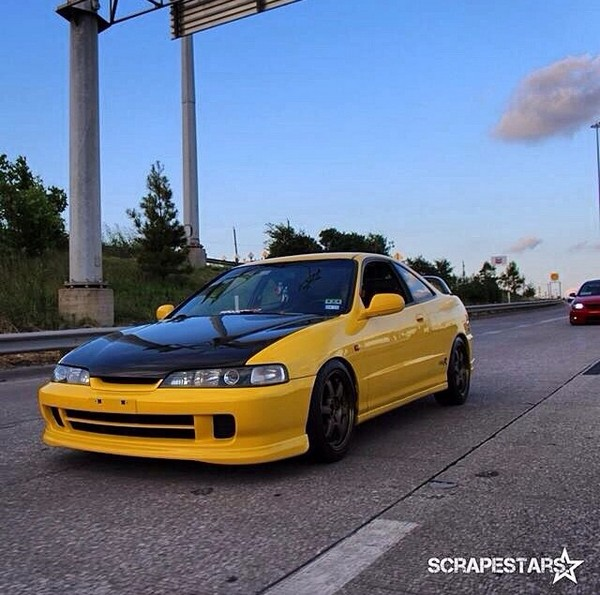 2001 Phoenix yellow ITR driving