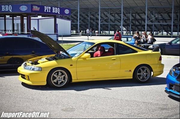 2001 Phoenix yellow ITR profile hood popped