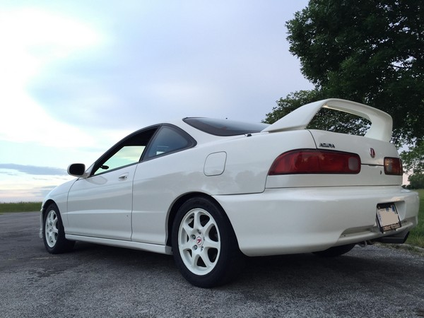 OEM 1998 Championship White Integra Type-R back left corner