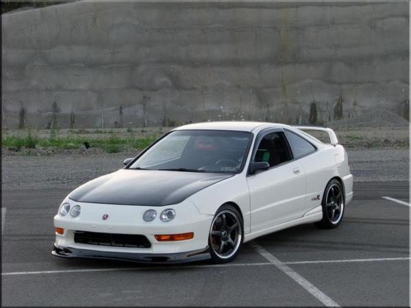 1998 Championship White USDM Acura Integra Type-R with carbon fiber lip and jdm sideskirts