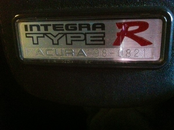 1998 Acura Integra Type-r arm rest badge number 98-0821