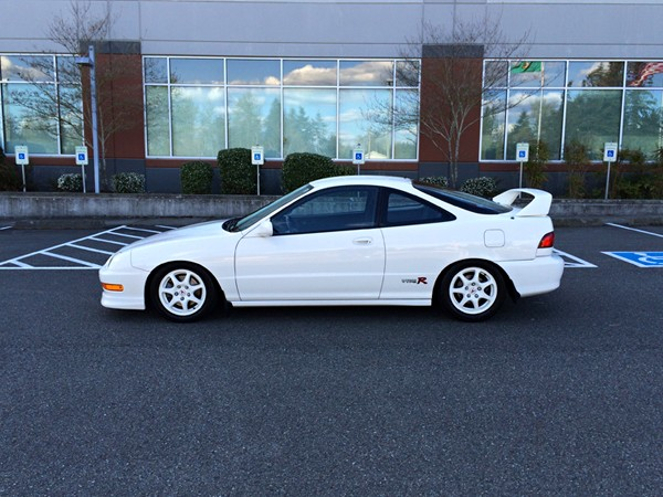 98 CW Acura Integra Type-r drivers side