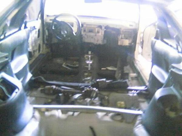 Stripped interior of 1998 Integra type-r
